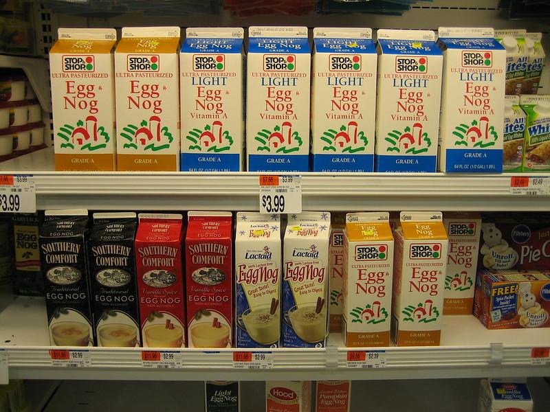 молоко на полке