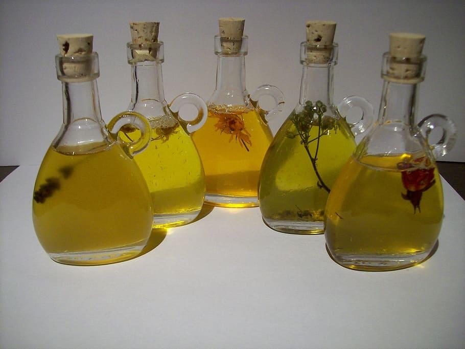 масло на столе